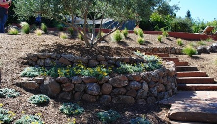 How to Create a retaining wall – DIY